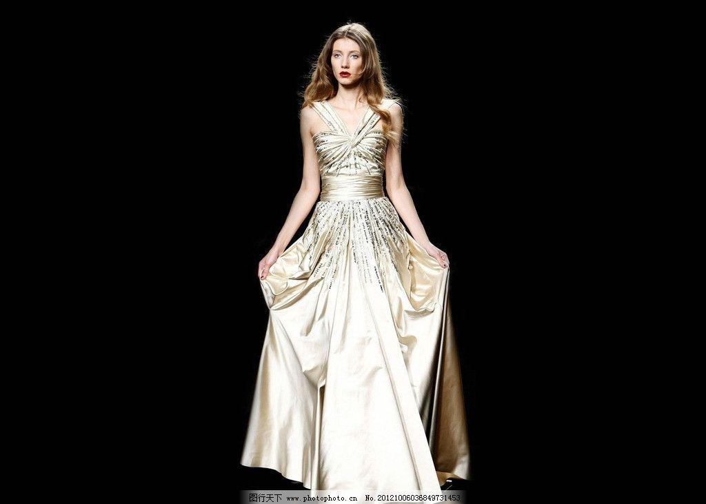 时装模特 时尚女性服装 裙子 晚礼服 美女 美女模特摄影 女性女人