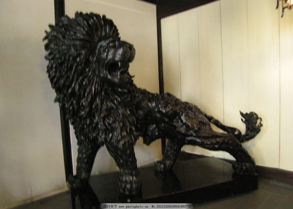 狮子根雕图片
