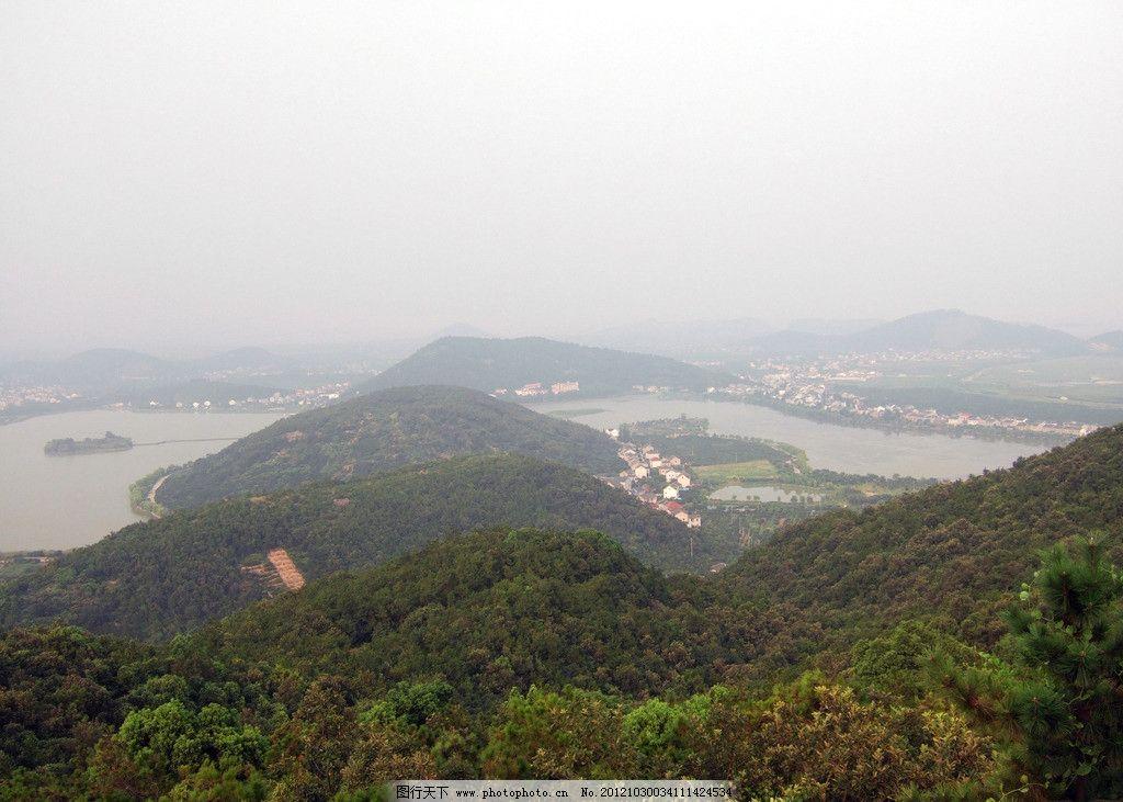 自然风景 俯视山脚 村落 森林 湖水 水面 云雾 旅游摄影 摄影 72dpi