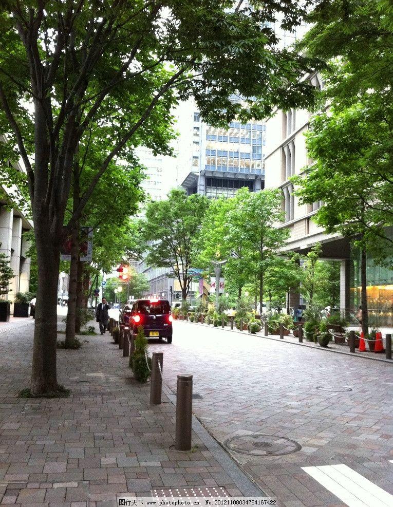 城市街道 日本 商厦 建筑 城市 都市 天空 楼房 人行道 马路 道路