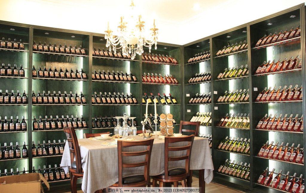 红酒会所 欧式风格 书柜 餐桌 高脚杯 红酒 酒柜 吊灯 旺度山 饮料