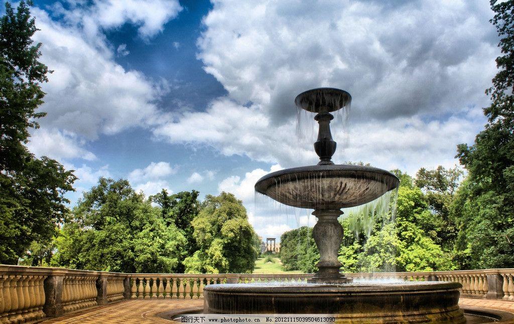 园林喷水池 喷水池 外国建筑 树林 园林风景 外国园林 园林设计 公园