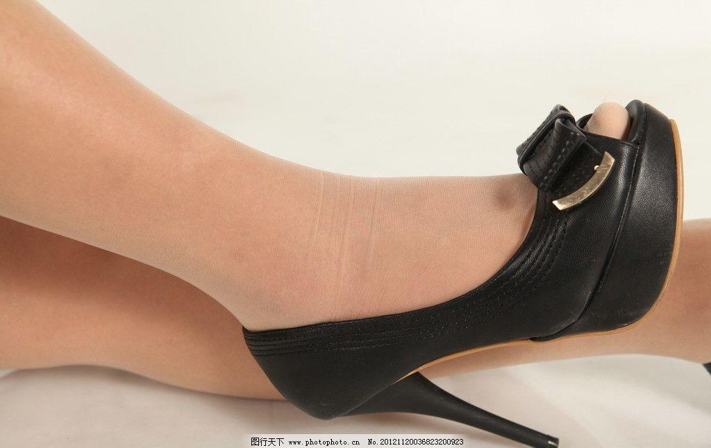 黑色高跟鞋丝袜玉足图片