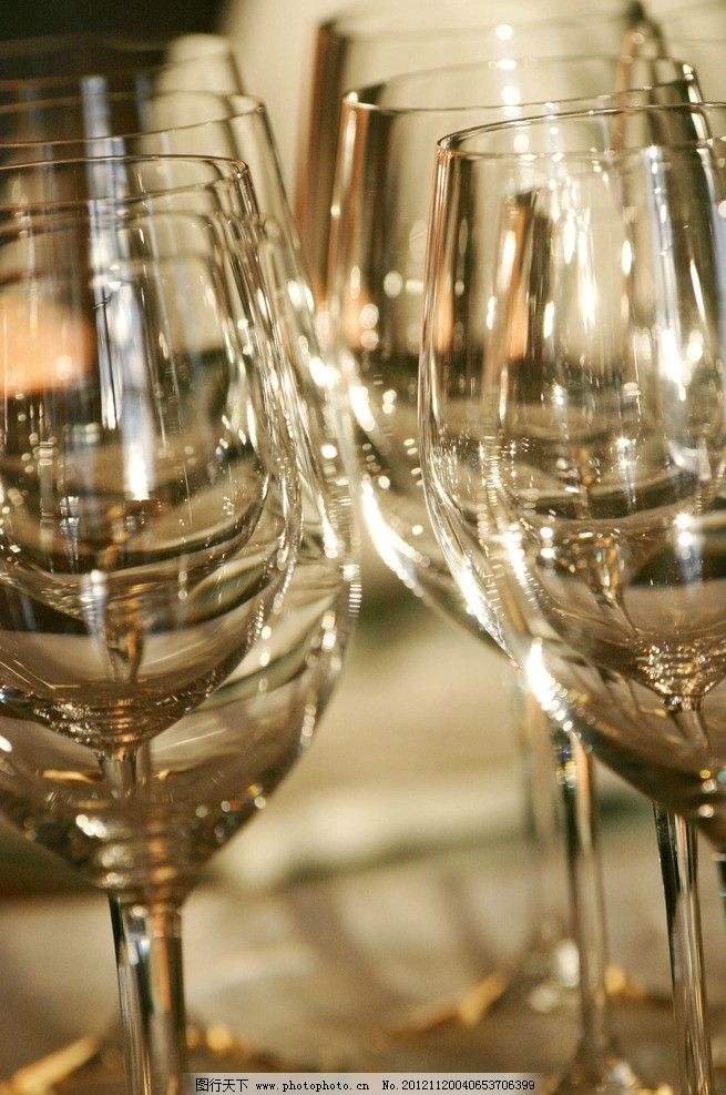 葡萄酒杯 葡萄酒 酒杯 玻璃杯 餐具厨具 餐饮美食 摄影 180dpi jpg