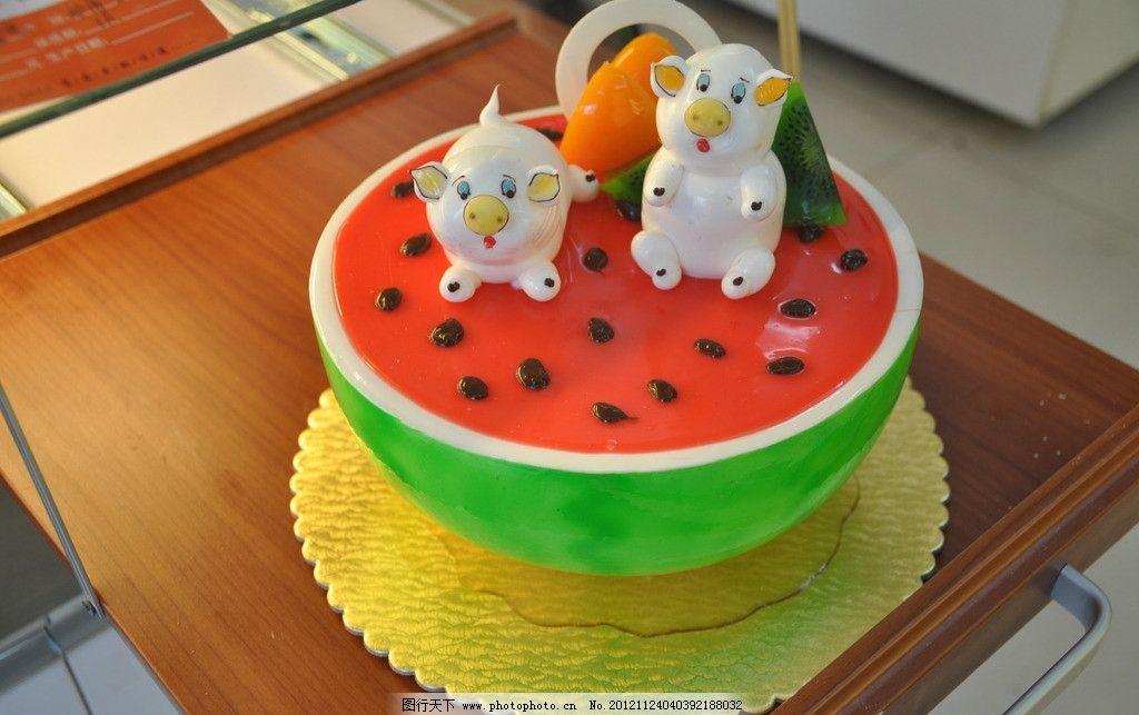 西瓜猪蛋糕图片