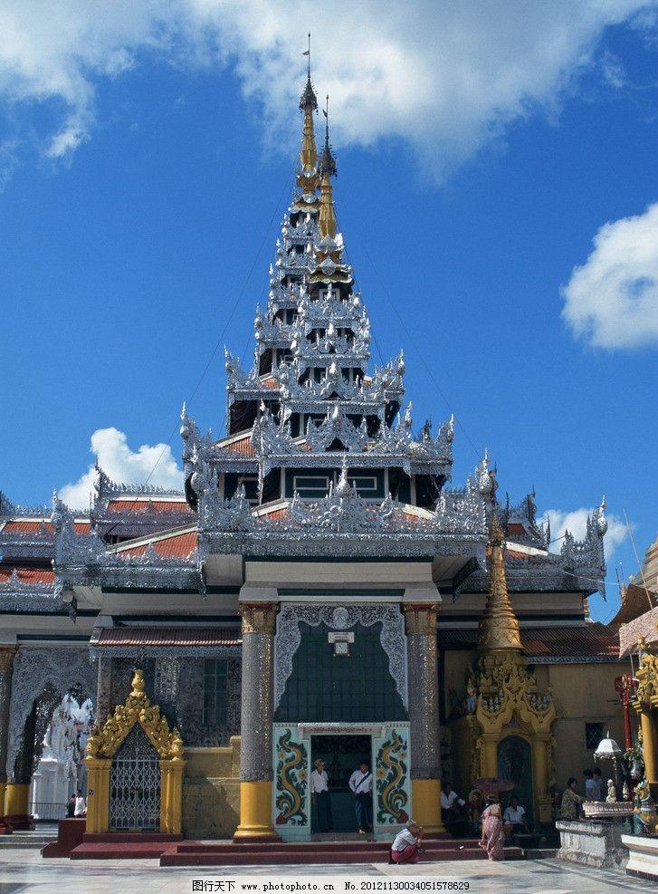 东南亚寺院 蓝天 白云 寺院 游人 佛塔 建筑 东南亚 东南亚风光 国外