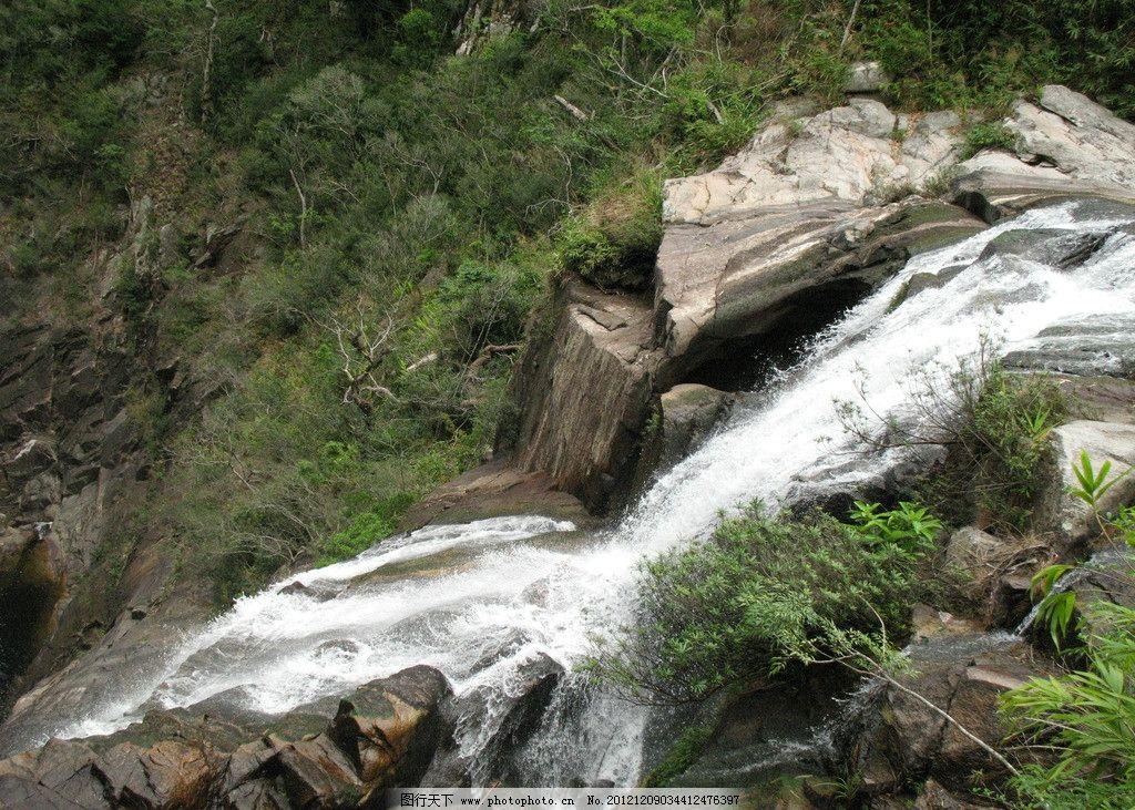 山间瀑布 瀑布 山水画 涓涓溪流 自然风光 素材 山水风景 自然景观