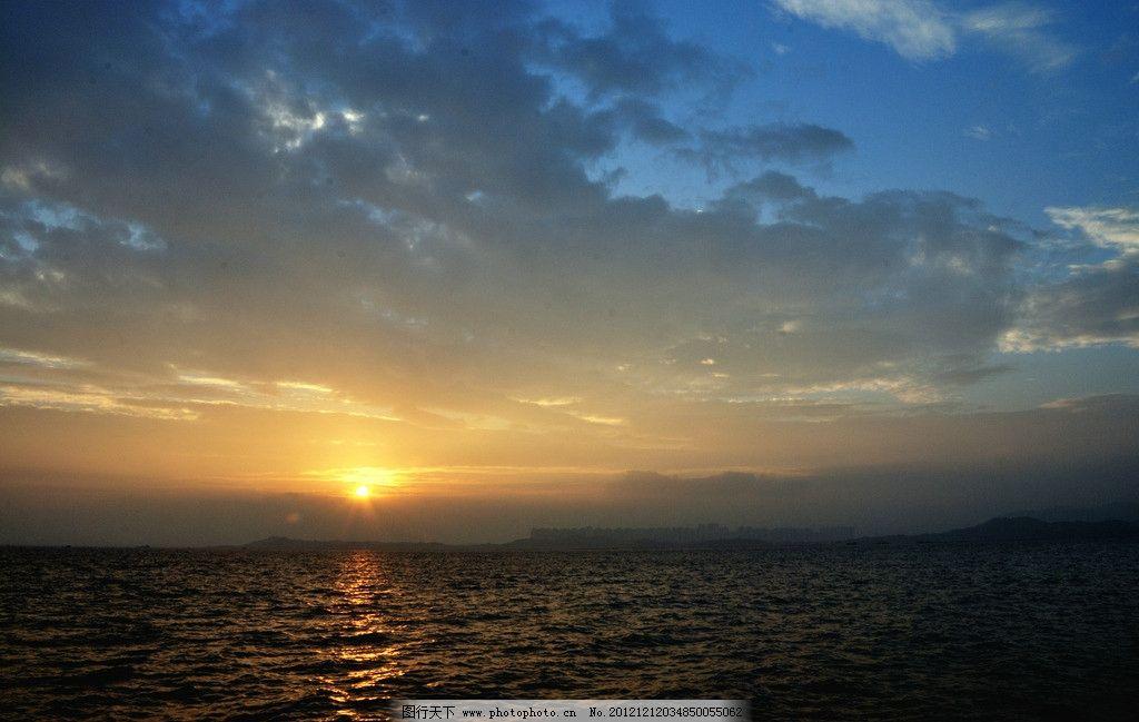 海边日出 大海 太阳 清晨 早晨 逆光 蓝天 白云 夕阳 摄影