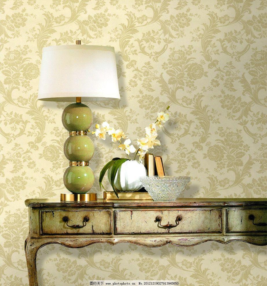 墙纸展示 欧式家居 背景 灯 墙纸 壁纸 黄色 金色 欧式 花纹 背景墙
