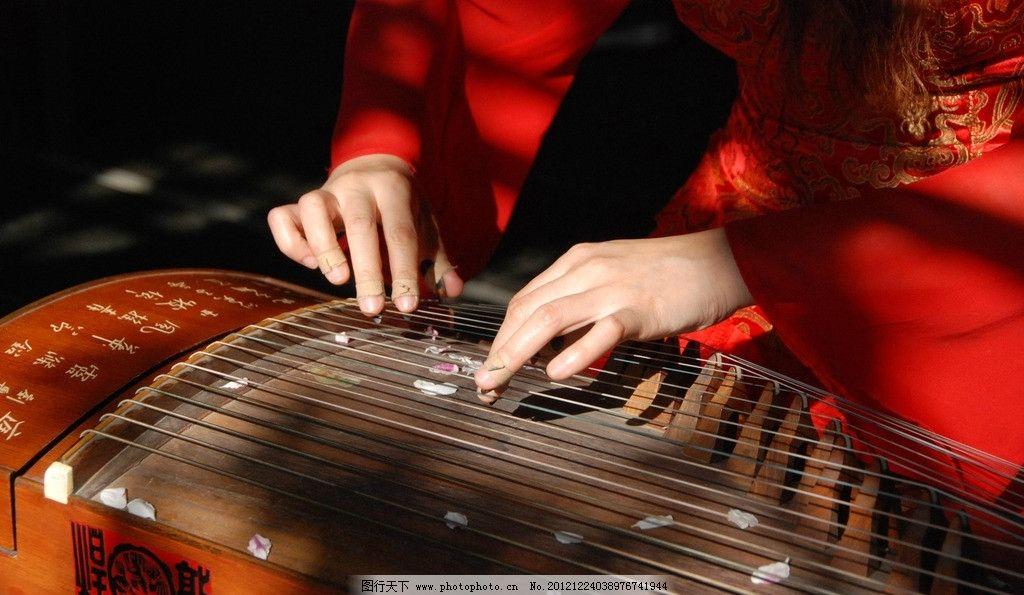 古典古筝美女 古筝 古琴 古典美女 唐装 汉服 弹古筝 弹古琴 舞蹈音乐