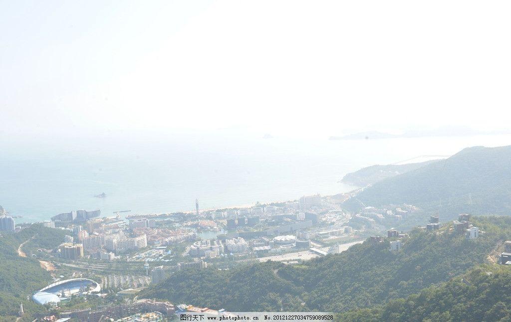 自然风景 树木 天空 远景 大海 房子 建筑景观 自然景观 摄影 300dpi